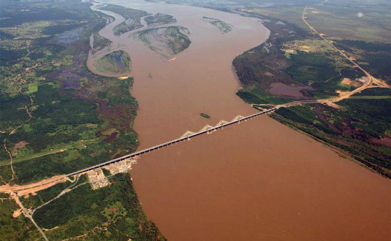 Puente sobre Rio Orinoco, Venezuela